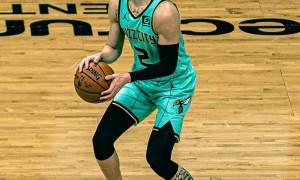 斗球:三球成NBA历史最年轻三双先生,超越了富尔茨,他兑现天赋!拉梅洛-鲍尔